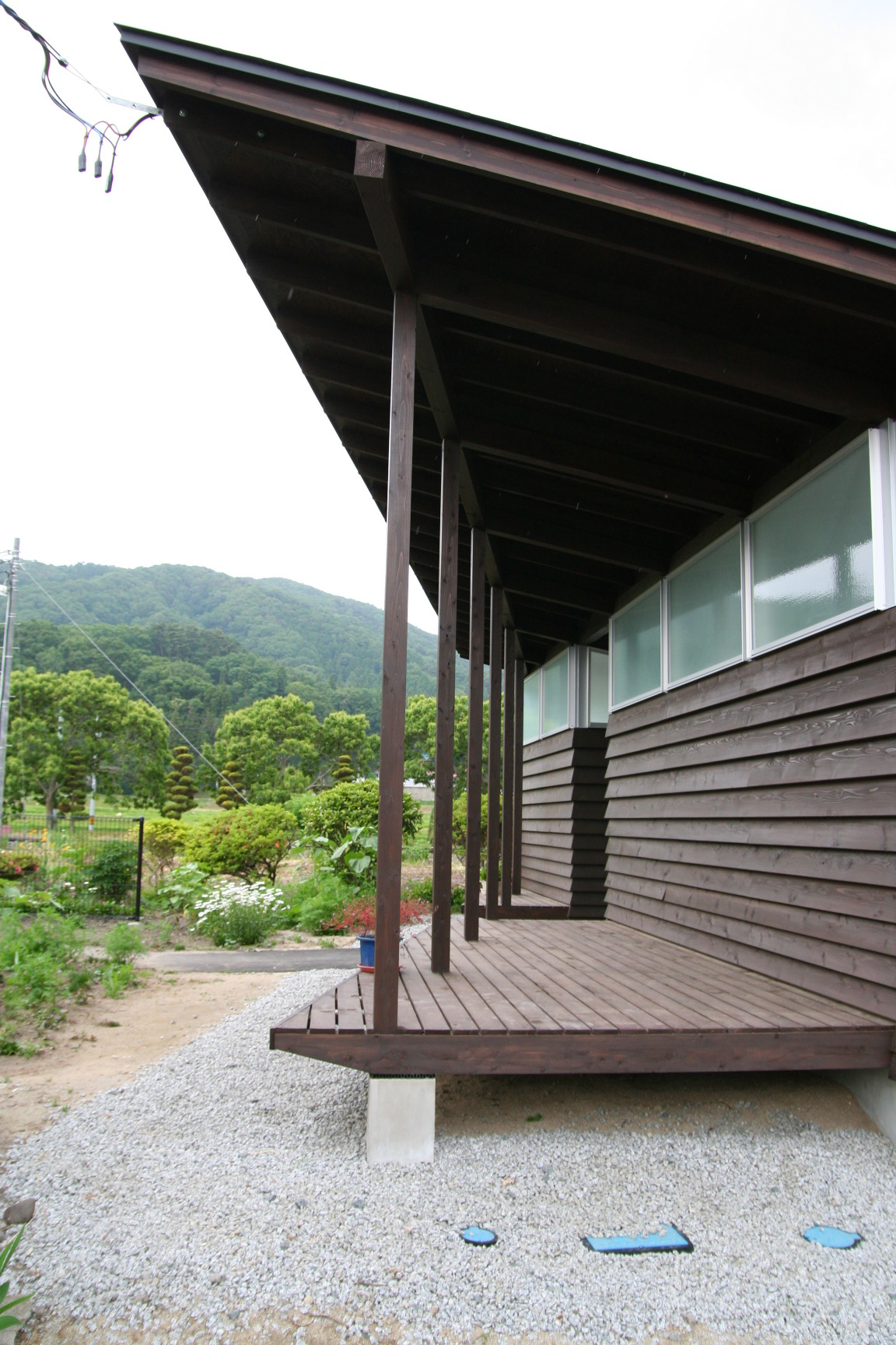 菅谷駅公衆トイレ(2011)